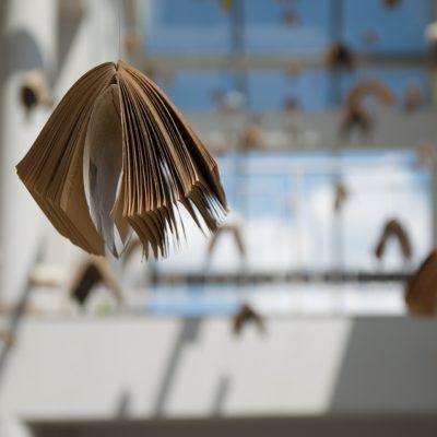 Un lieu d'exposition idéal (lui-même un chef d'œuvre architectural). La verrière du Grand Salon baignera de lumière les œuvres exposées.